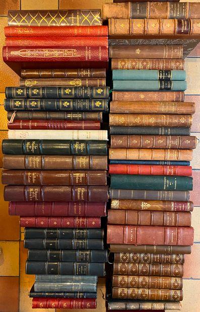 [LITTÉRATURE 1] Ensemble de 50 volumes r...