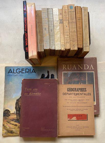[VOYAGES] Ensemble de 20 volumes et 17 guides...