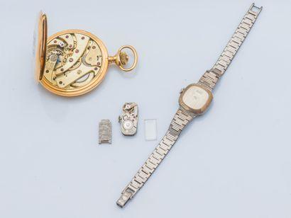 Montre de poche en or jaune 18 carats (750 ‰) le cadran émaillé blanc, les chiffres...