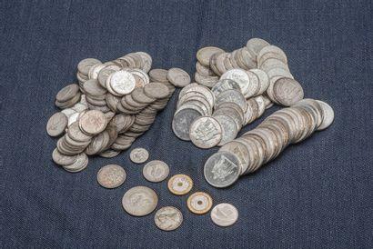 Lot de pièces en argent comprenant : 24 pièces...
