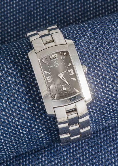 BAUME & MERCIER, vers 2000 Montre de forme modèle Hampton Milleis de forme rectangulaire...