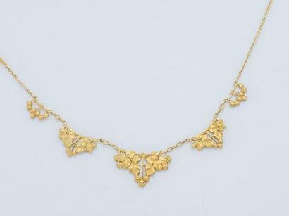 Collier collerette en or jaune 18 carats...