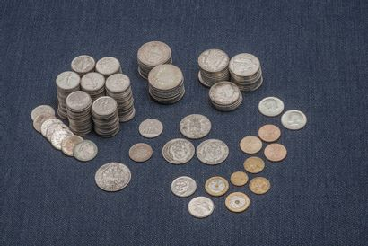 Lot de pièces en argent comprenant : 21 pièces...