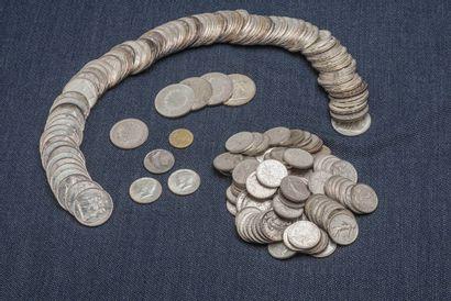 Lot de pièces en argent comprenant : 4 pièces...
