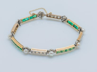 Bracelet ligne articulé en or jaune 18 carats...