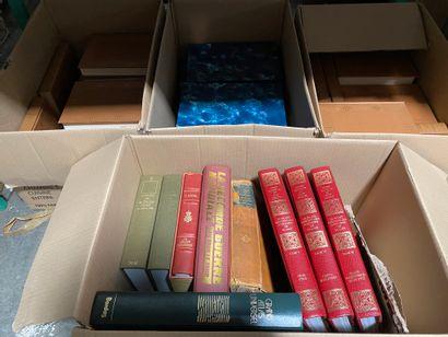 Lot de 7 cartons de livres reliés et bro...