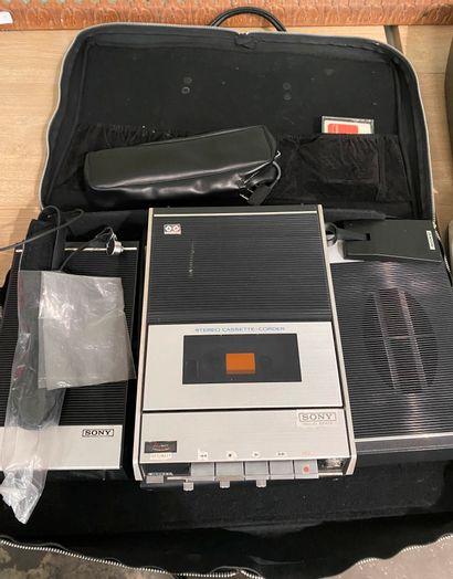 SONY,  Enregistreur de cassette TC-124  Dans...