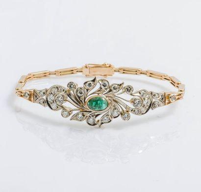Bracelet semi-rigide en or rose 14 carats...