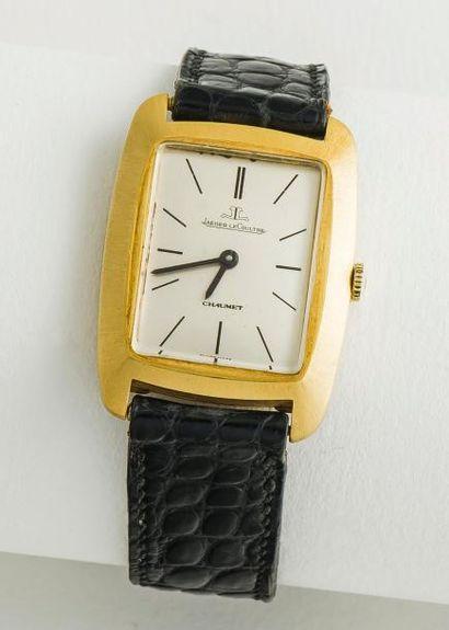 JAEGER LeCOULTRE et CHAUMET vers 1970  Montre en or jaune 18 carats (750 millièmes),...