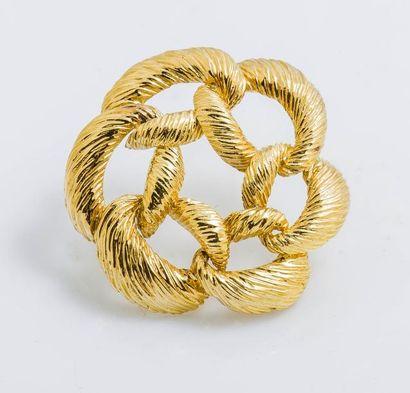 Broche ronde en or jaune 18 carats (750 millièmes)...
