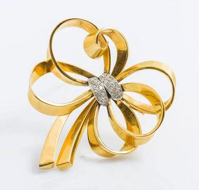 Broche nœud en or jaune 18 carats (750 millièmes)...