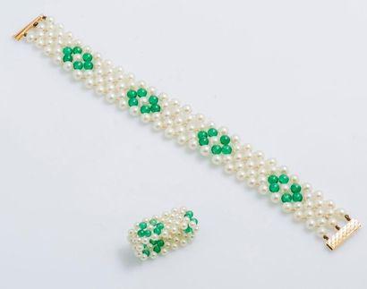 Parure composée d'un bracelet de cinq rangs...