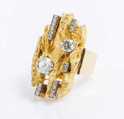 Bague moderniste en or jaune 18 carats (750...
