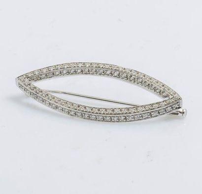 Broche navette en or gris 18 carats (750...