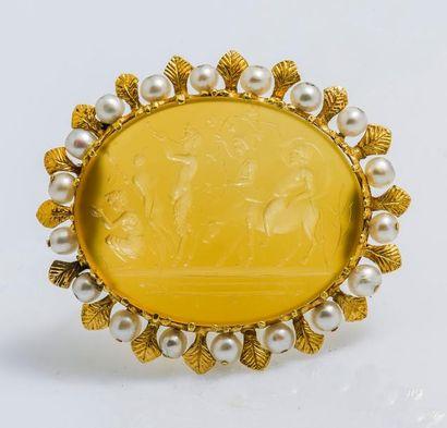 Broche en or jaune 14 carats (585 millièmes)...