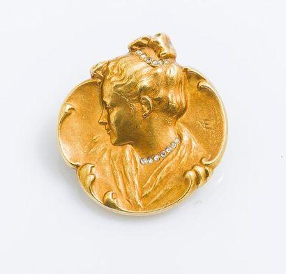 Broche pendentif en or jaune 18 carats (750...