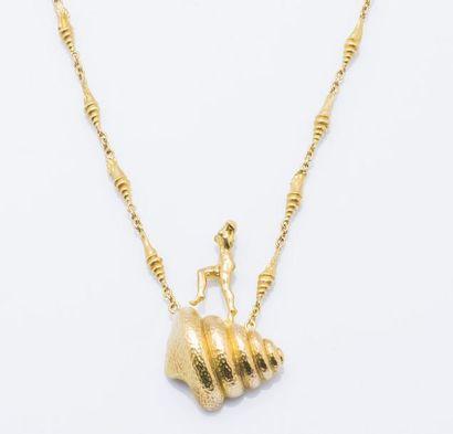 SALVADOR DALI  Collier «Mujer desnuda subiendo la escalera» en or jaune 18 carats...