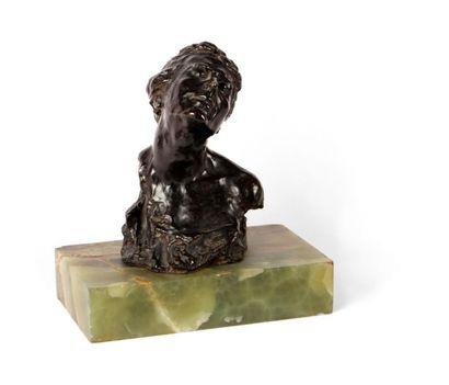 ALFREDO PINA (1883-1966) Buste de femme au...