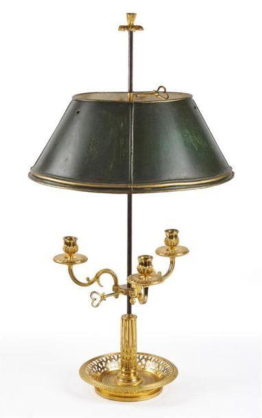 LAMPE BOUILLOTE en bronze ciselé et doré,...