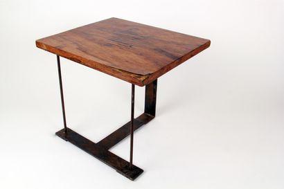 PIERRE CHAREAU (1883-1950) TABLE d'appoint, variante du tabouret SN3 du référencier...