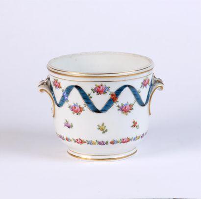 RAFRAÎCHISSOIR en porcelaine allemande à...
