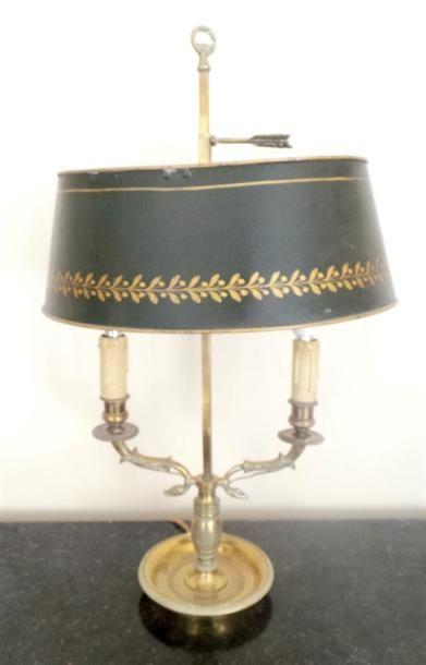 LAMPE bouillotte en bronze à deux lumières,...