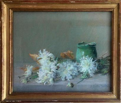 ÉCOLE MODERNE Nature morte aux fleurs blanches...