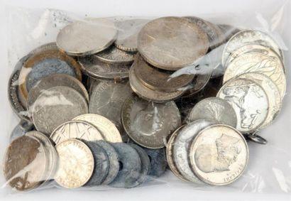 Lot de PIÈCES de monnaie en argent et métal...