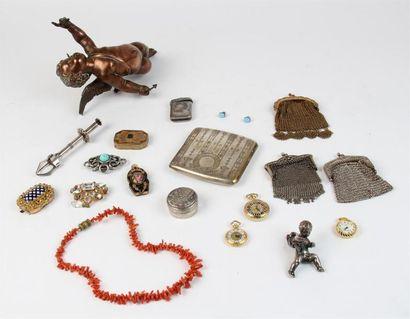 Lot de BIJOUX fantaisie composé d'un collier...