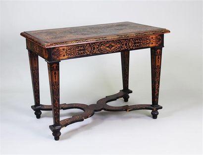 TABLE BUREAU en placage de bois noirci et...