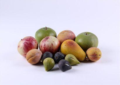 Collection de FRUITS en pierre peinte: figues,...
