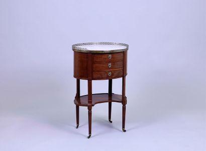 TABLE DE SALON ovale formant écritoire en...