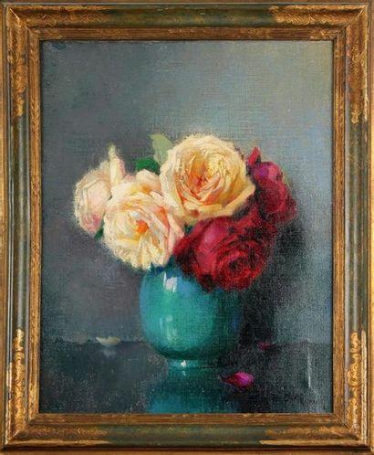 JACQUES BILLE (1880 -1943) Vase de roses...