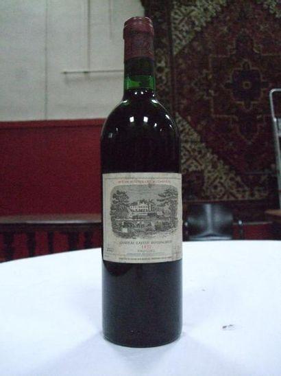 Ensemble de Champagne et vins de Bordeaux...