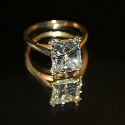 Exceptionnelle bague ornée d'un diamant (4,27...