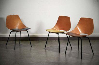 """Pierre GUARICHE (1926-1995) - STEINER éditeur Suite de trois chaises dites """"Tonneau"""",..."""