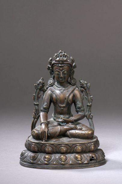 TIBET - XVIe siècle Statuette en bronze à...