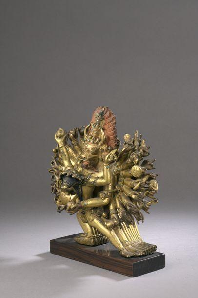 TIBET - XVIIIe siècle Groupe en bronze doré...