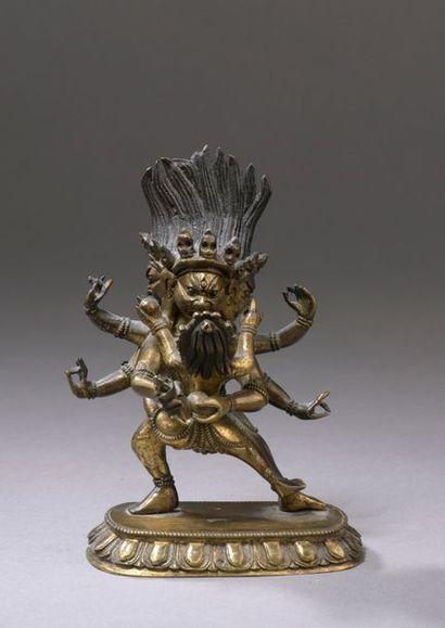 TIBET - XVIIIe siècle Statuette en bronze doré de Hayagriva à trois têtes et six...