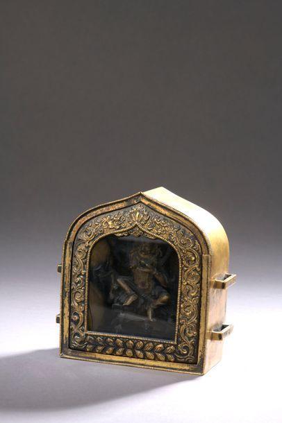 TIBET - XVIIIe siècle Autel portatif Ga'u...
