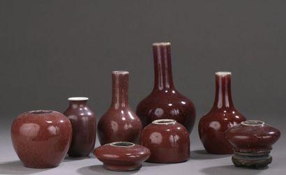 CHINE - XXe siècle Ensemble en porcelaine...