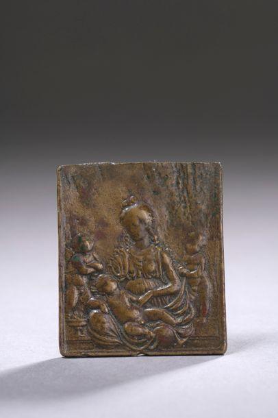 PETITE PLAQUE en bronze représentant la Vierge...