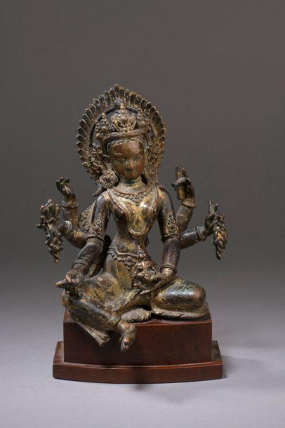 NÉPAL - XVe siècle Statuette de Vasudhara...