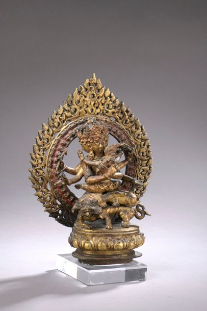 NÉPAL - XVIIe/XVIIIe siècle Groupe en bronze...