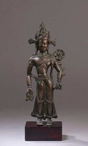 TIBET - XIIe/XIIIe siècle Statuette en bronze...