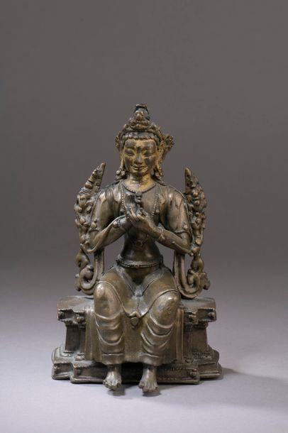 TIBET - XVe/XVIe siècle Statuette en bronze...