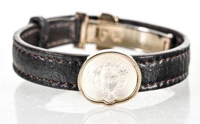 LALIQUE Bracelet à médaillon central en cristal...