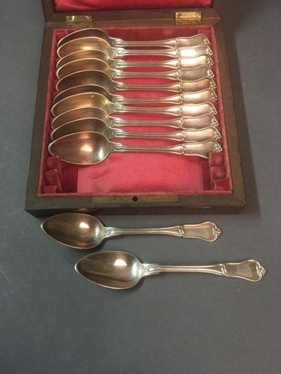 Douze cuillères à thé en argent au noeud...