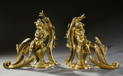 Paire d'importants chenets en bronze à décor...
