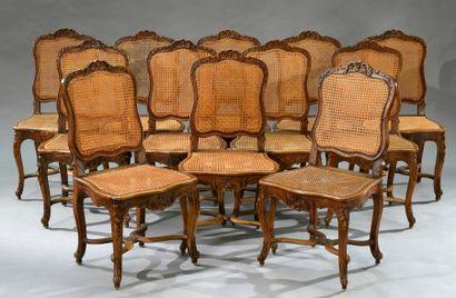 Suite de douze chaises à fond de canne et...